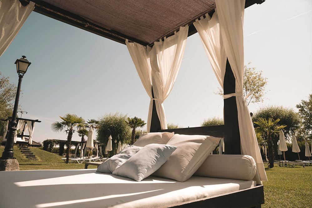 Relax en las piscinas del hotel Conde Rodrigo 2